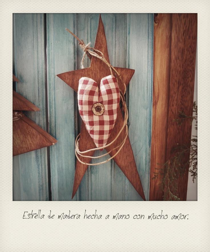 Detalle estrella madera hecha a mano