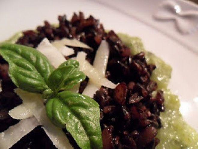 Ricetta Portata principale : Riso venere su crema di zucchine profumato al basilico da Bastet79
