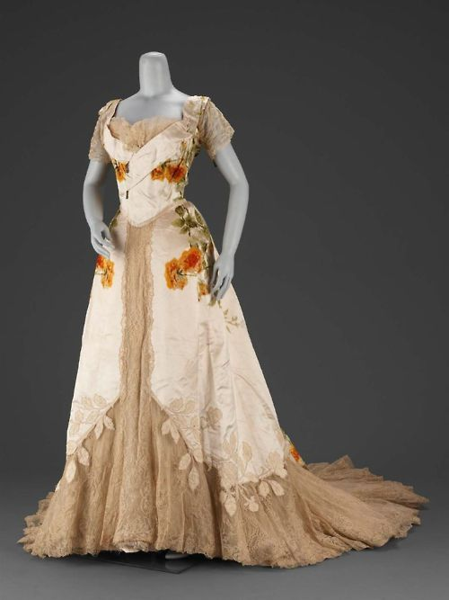 Evening dress by House of Worth, ca 1902 France (Paris), MFA Boston