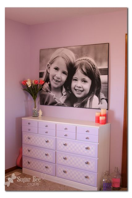 how to make a giant picture for cheap, seriously.  Cheap ($11) Would be great for parties, too.Engineer Prints, Photos Canvas, Canvas Prints, Girls Room, Pictures Tutorials, Giants Pictures, Engineering Prints, Girl Rooms, Bees Crafts