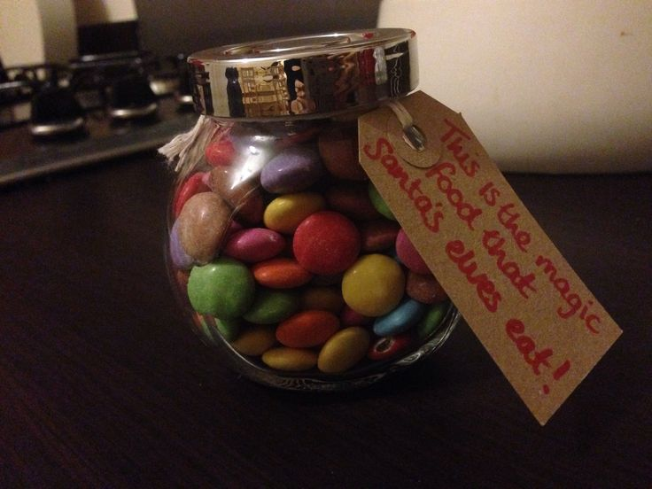 Smarties In A Jar And Call It Santas Helpers Magic Food Bag Up Like Reindeer Find This Pin More On Christmas Fayre Ideas