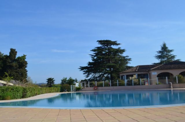 Onde ficar em Saint-Tropez? Uma das principais cidades da Côte D´Azur (Costa Azul) a linda Riviera Francesa, essa região já é muito movimentada a partir da primavera, mas o auge é no verão com praias de águas cristalinas e com um tom lindo de azul. #TurMundial #SaintTropez #França #CostaAzul #CoteDAzur #RiveiraFrancesa #Hotel #OndeFicarEmSaintTropez  http://www.turmundial.com/2017/04/onde-ficar-em-saint-tropez.html