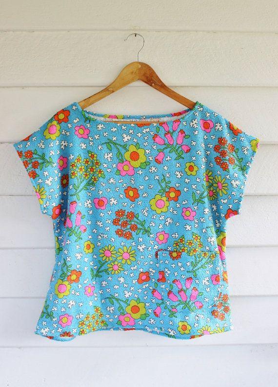 Womens Vintage coton Terry Towelling Top tunique chemise Beach Surf côtières bleu ciel moyen rétro Daisy Summer