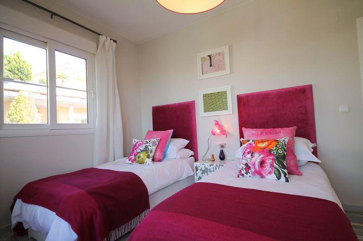 Twin bedroom, headboards , Fuscia, soft furnishings, by Pulse Interior Design