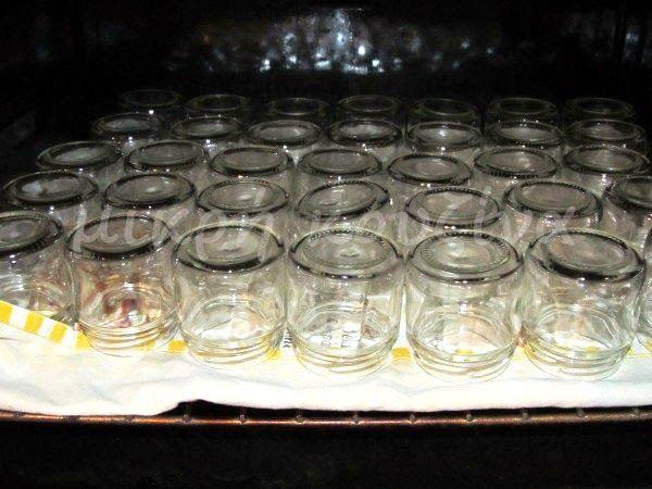 μικρή κουζίνα: Πώς αποστειρώνουμε βαζάκια για μαρμελάδες κλπ