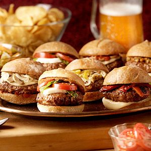The Best Italian Sausage Recipes for Tailgating: http://www.recipe.com/blogs/cooking/best-italian-sausage-recipes-easy-as-watching-a-video/?socsrc=recpinn092512italiansausagerecipes
