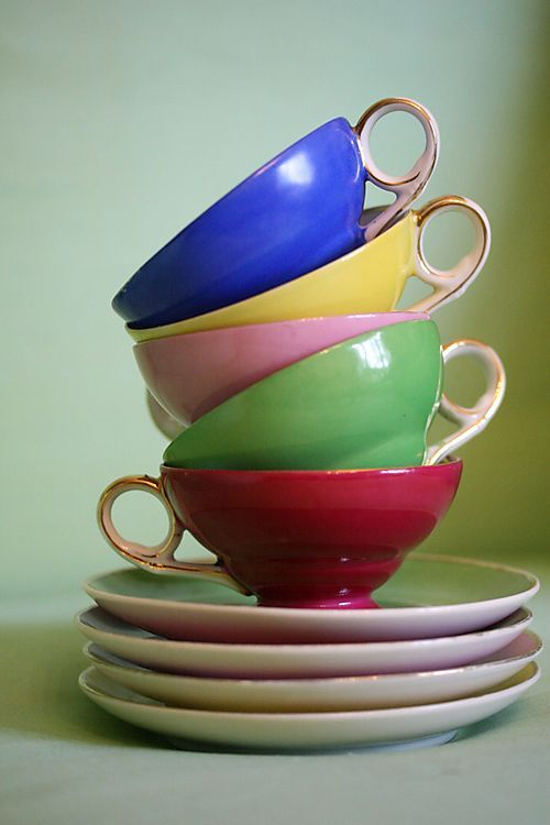 Lovely french tea cups 配色、配置、アングル、光