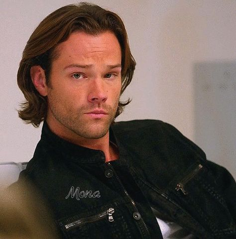 Those leather jackets have got to be one of my all time favorite costumes the boys have worn. I mean, dang son, you are fine! Sam Winchester in Supernatural.