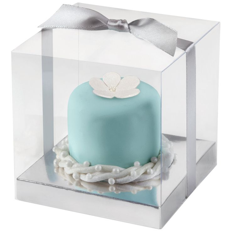 Features:  -Clear lid with a silver base.  -Box is a great way to allow your guests to take home some sweets such as cupcakes or cookies.  -Contains 20 boxes and 20 ribbons.  -Also includes three shee