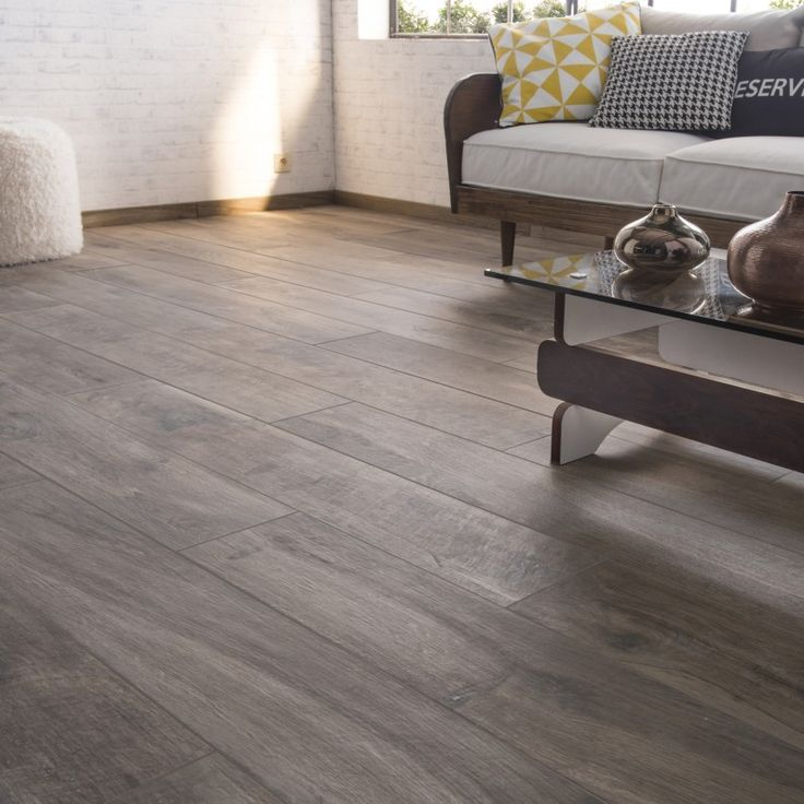 25 best carrelage effet parquet ideas on pinterest for Salon avec carrelage imitation parquet