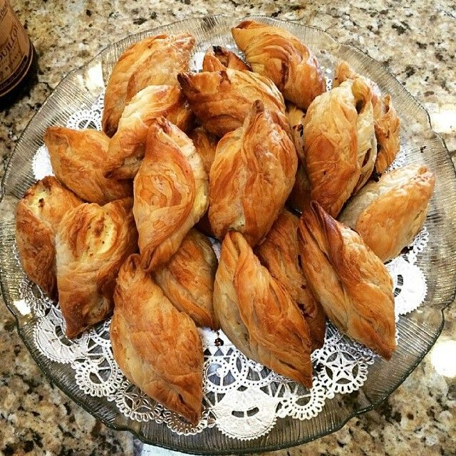 When in Malta, do as the Maltese do, and start your day with a couple of pastizzi!
