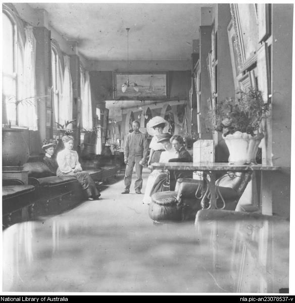 [Guests in a gallery of the Hydro Majestic Hotel at Medlow Bath, c 1910