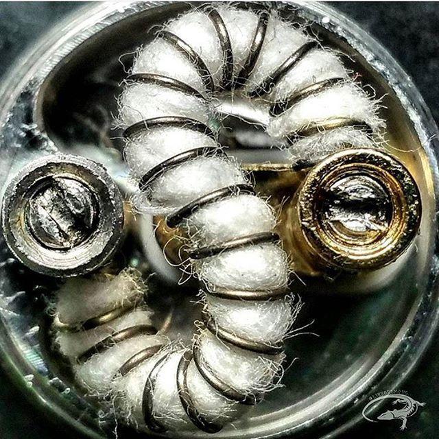 Wormy worm  ⠀⠀⠀⠀⠀ - : @lizzardmang - |#instavaperz|#vape|#vapeagency|#vapelife|#vapefam|#dripbydesign|#dripgram|