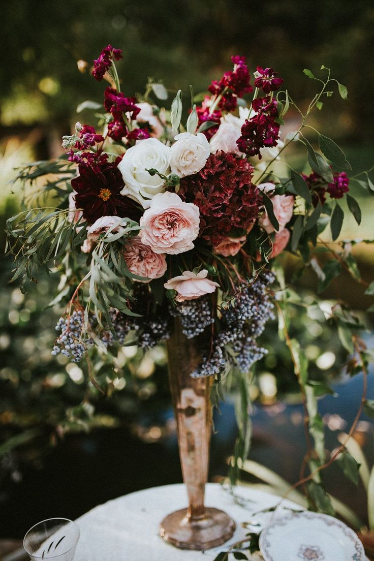 Inspiring Best 25+ Tall wedding centerpieces https://www.weddingtopia.co/2018/02/08/best-25-tall-wedding-centerpieces/ Turn the vase until you're pleased with how the floral arrangement looks with the pedestal and the remainder of the room