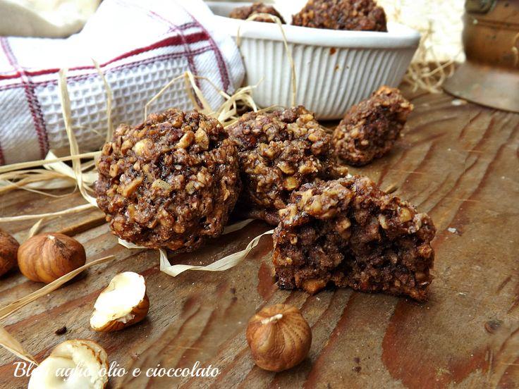 Le nocchiate sono un dolce tipico del Lazio, sono delle deliziose palline croccantissime e golose che si preparano sotto il periodo di Natale.