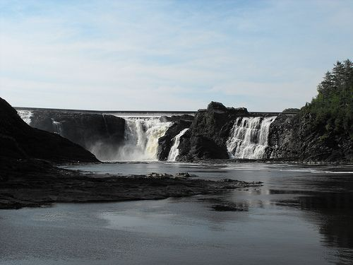 Waterfalls on Chaudiere River | Flickr by Dominic Labbe