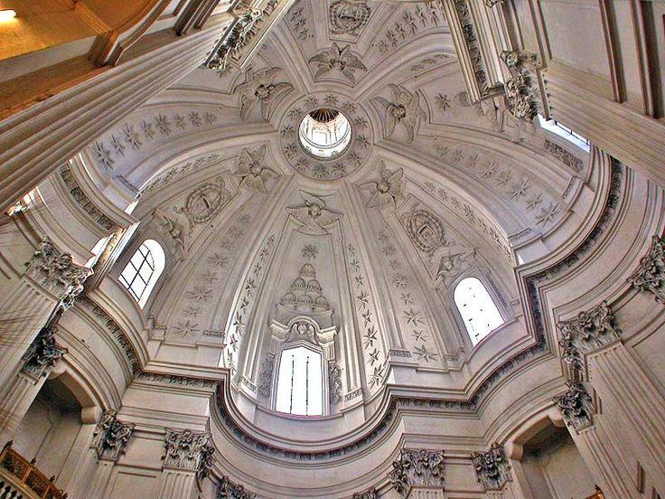 Francesco borromini interior dome of sant ivo alla for Baroque architecture in italy