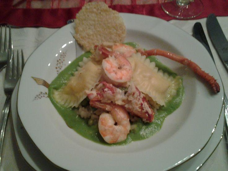 Risotto met kreeft en scampi, Ravioli's met kreeft en krab en  erwtencoulis en parmezaankoekje