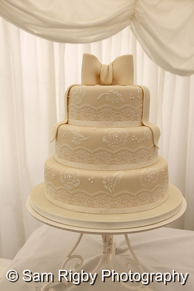 Ideas and inspiration for your Wedding Cake.