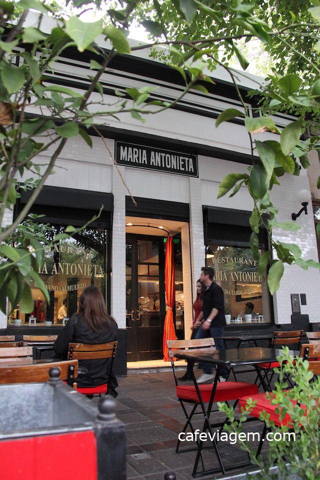 """Quando começamos a montar o roteiro do destino campeão do vinho argentino logo me foquei em pesquisar: """" onde comer em Mendoza """". Comer e beber bem em ambientes fantásticos e, quem sabe emoldurados pela Cordilheira dos Andes e vinhedos de Mendoza,..."""