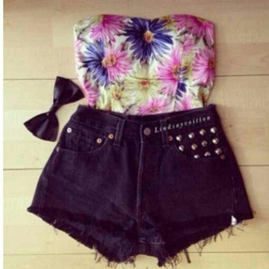 floral crop top black high waisted shorts black bow