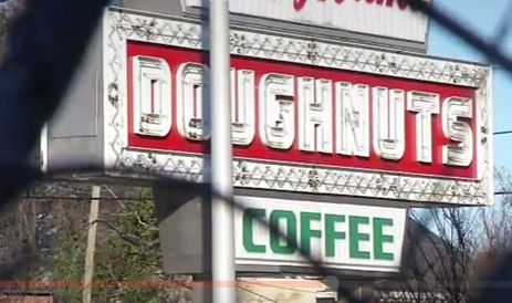Did you hear the one about the guy who dropped #dead during the Krispy Kreme Doughnuts challenge? http://fox8.com/2016/02/06/man-dies-during-krispy-kreme-challenge-in-north-carolina/ #Diet #Dieting #Food #Health #Donuts #Doughnuts