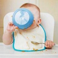 Babyhapje Wortel Appel  met Rijst. Deze lekkere en voedzame babyhap is vanaf 5 maanden. Zelf babyvoeding maken is helemaal niet moeilijk. Zo leert uw baby meteen de echte smaken van ingrediënten kennen. Pure smaken zonder kunstmatige toevoeging.