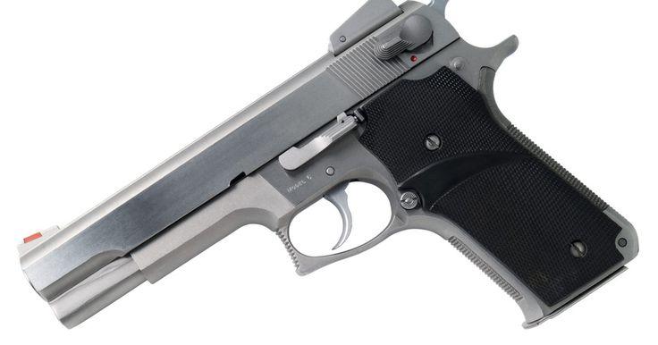 Estilos de armas de 9 mm. El Parabellum 9 mm es el cartucho de pistola más ampliamente usado en el mundo. Mucho personal militar, agentes de policía y propietarios de armas de fuego privadas lo usan. Este cartucho no es estrictamente utilizado en pistolas. Varios estilos diferentes de armas, tanto grandes como pequeñas, utilizan el cartucho Parabellum 9 mm.