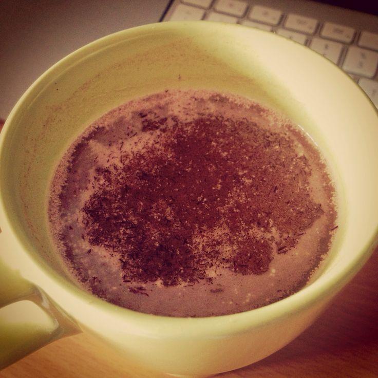 Warm chocolate drink with Reishi mushroom and Cordyceps for extra kick!