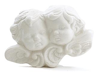 Savon ange 100 g 100 g Ambiance romantique et baroque pour ces deux anges, joue contre joue, parfumés au délicieux mélange de vanille et de patchouli. http://www.boutique-lothantique.com/savon-ange-100-g~reve-d-anges-amelie-et-melanie-produit-d164fd7193ae5c1606288a6cf5b4804b.html