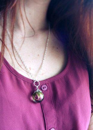 Kup mój przedmiot na #vintedpl http://www.vinted.pl/akcesoria/bizuteria/17033164-naszyjnik-z-prawdziwa-roza-w-zywicy