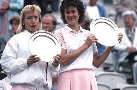 1985: Pam Shriver and Martina Navratilova won the Wimbledon doubles titles.
