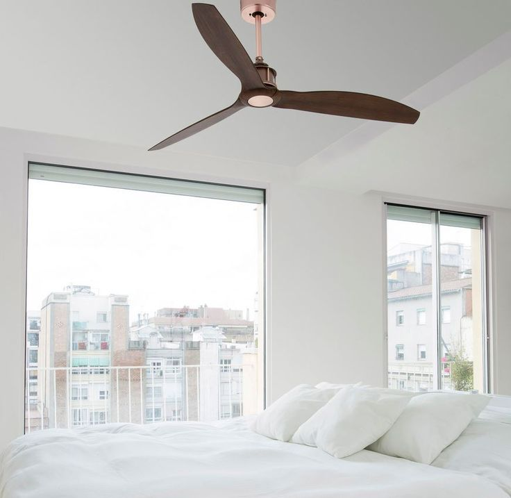 Modelos y marcas de ventiladores de techo. En un artículo anterior, te explicamos varios aspectos técnicos que deberías conocer antes de elegir el ventilador de techo óptimo para el espacio donde quieras colocarlo. Aspectos como el consumo enegético, su motor, la altura de colocación, los dist…
