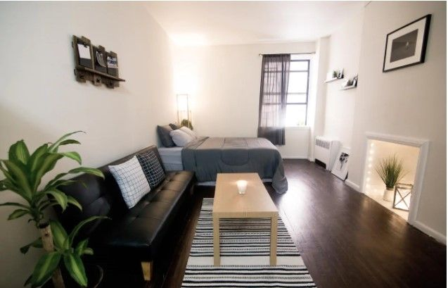 Cozy Studio Located In Midtown West Apartments For Rent In New York United States New York Studio Apartment Affordable Apartments One Bedroom Apartment