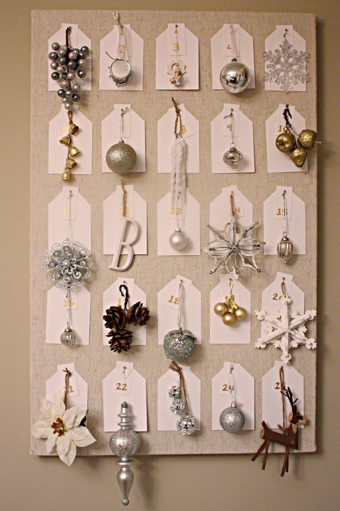 ornament calendar.  fun way to count down the days until Christmas