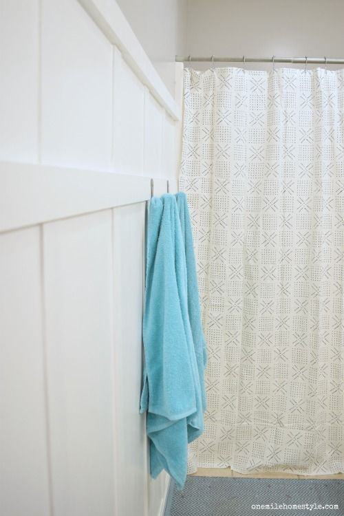 Have a bathroom that needs some love, but only have a small budget? This DIY bathroom makeover that is simple, beautiful, and can be completed for under $100!!