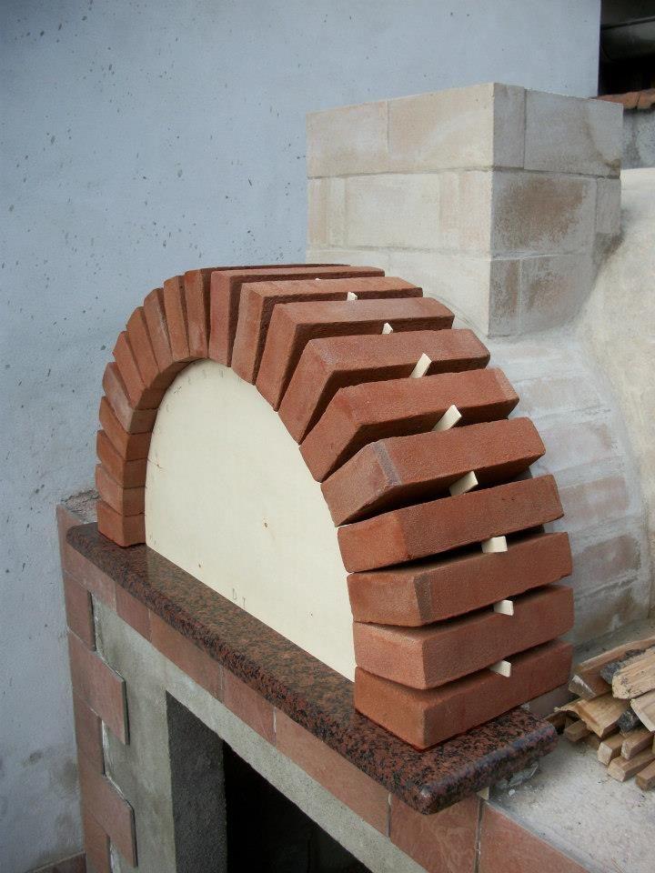 Forno a legna e barbeque fai da te come costruire un for Forno a legna per pizza fai da te
