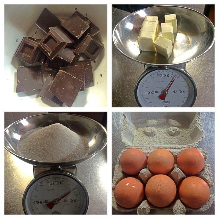 300 gr Di cioccolato 300 gr di zucchero 150gr di burro 6uova