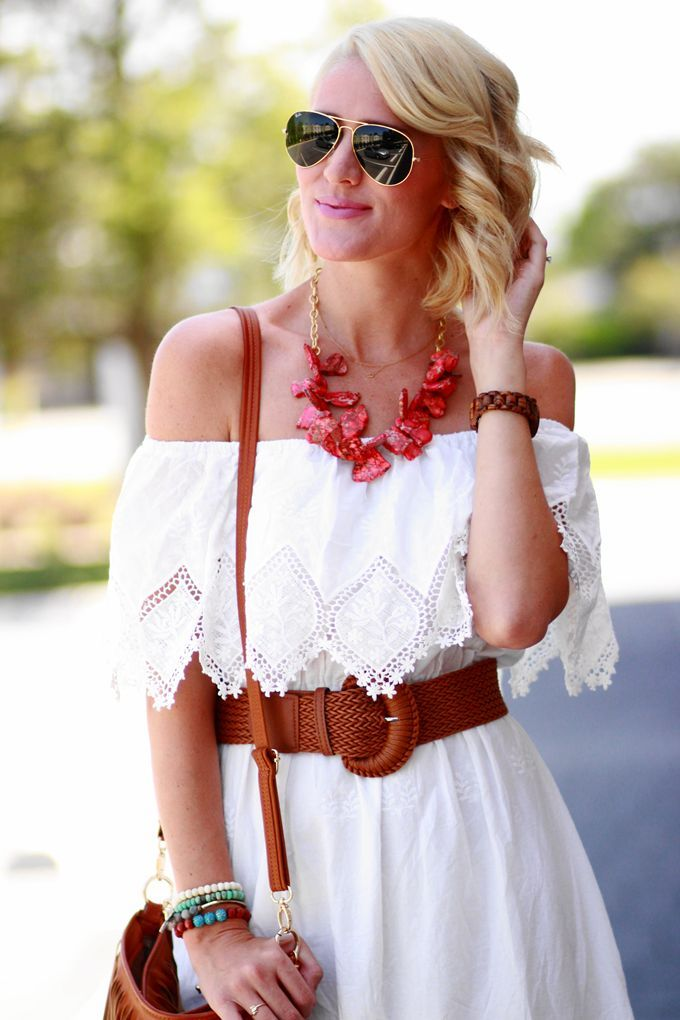 Click here to learn how to wear fashion necklaces ----> #fashionblog #blogger #fashion #jewelry - Red statement necklace, off shoulder white dress, summer look