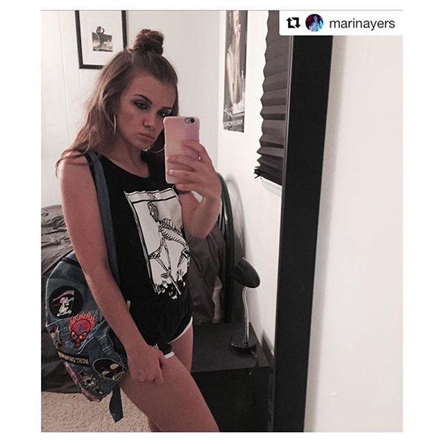 Outfit tag: Case: @gmyle_us Backpack: @modekungencom Shirt: @dshirt14 #designedshirt #de_sign_ed_shirt #death #morte #Muerte #mort #danzamacabra #DanseMacabre #Macabre #occult #DanceofDeath #skull #tshirts #tarots #taroccodimarsiglia #tarocco #tarotdemarseille #urbanfashion #urbanwear #insanity #psychic #majorarcana #lamorte #skull