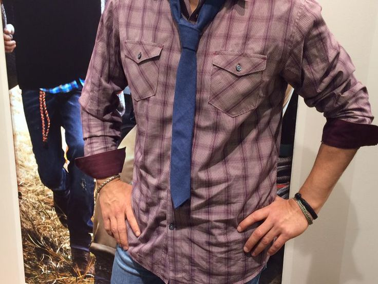 Casual shirt and denim tie will always look good.