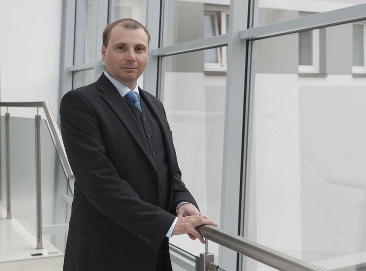 Soudce NSS Karel Šimka: Společnost a ekonomika nemohou být postaveny na kasárenské logice strachu