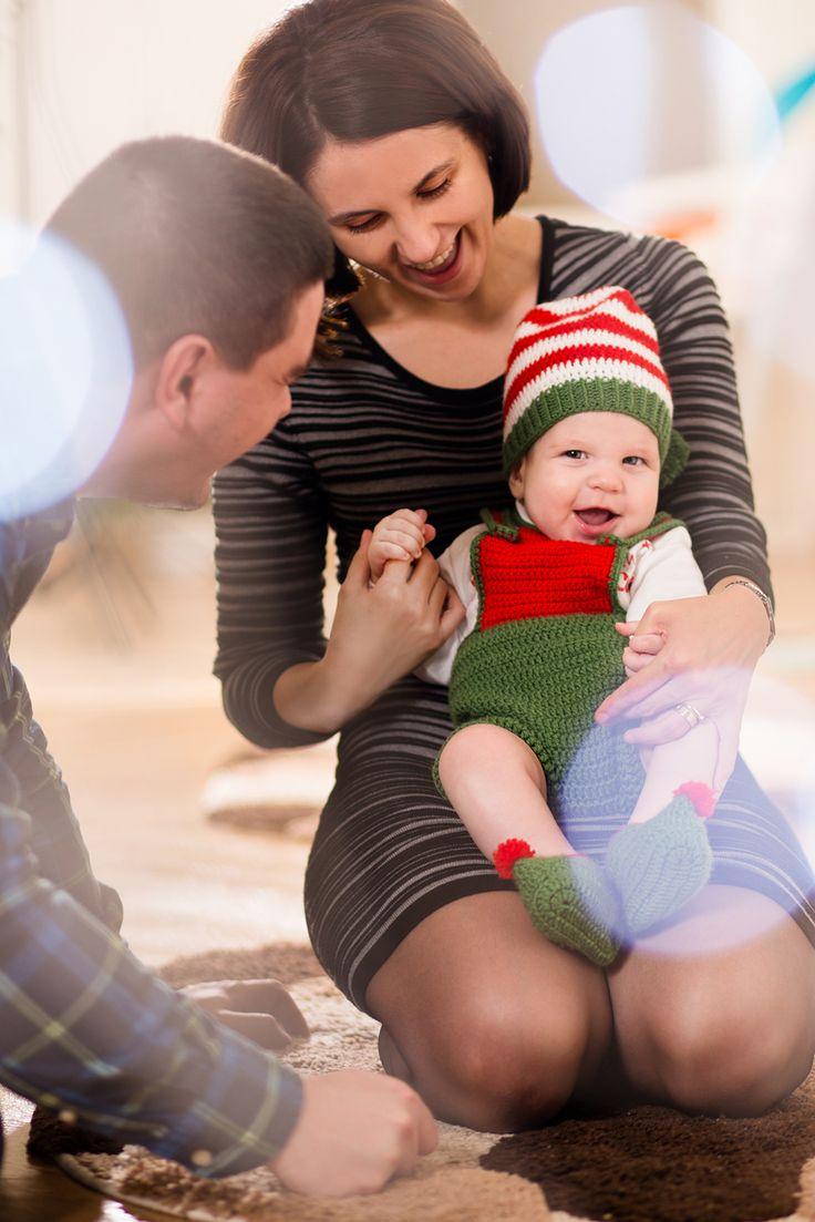 #picturesque #family #portrait #dad #father #sun #blue #eyes #newborn #photography #sedintafoto #familie #fotograf #copii #baby www.picturesque.ro