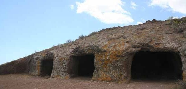 Visitando el yacimiento de las cuatro puertas gran - Islas canarias con ninos ...