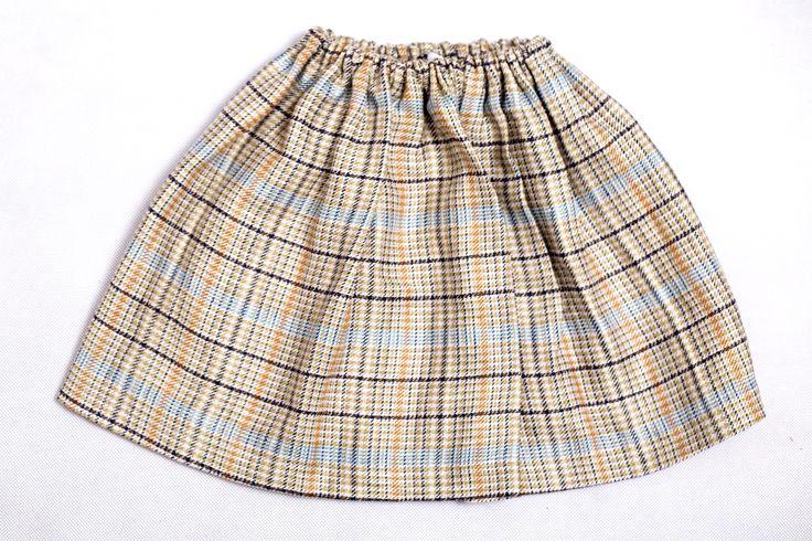 Monsi / Spódniczka  Spódniczka w ponadzcasową i modną tego sezonu kratą, w pastelowych odcieniach, na gumie #fashion #girls #boccoo # clothes #moda
