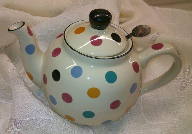 Tetera London Pottery #tetera #londonpottery #teteraporcelana #té #te #tecaliente #tealover #teapassion #london #igers #igerbarcelona #instamoment #instate