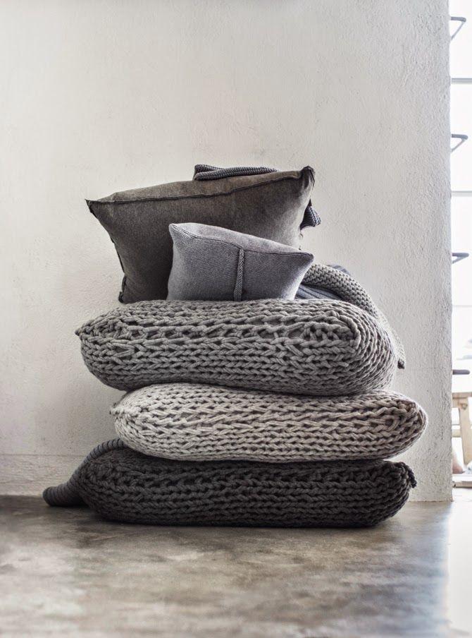 MIKMAX-knittedcushions.jpg 670×904 pixels