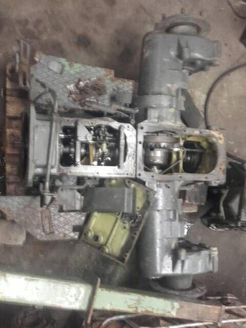 Verkaufe gut erhaltenes Schaltgetriebe für fendt farmer 2 3 4 s Versand möglich bei fragen...,Schaltgetriebe  fendt farmer 2 3 4 s getriebe in Niedersachsen - Gehrde