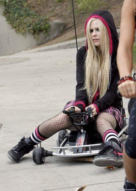 *Avril Lavigne trusts us ->>> | http://fas.st/1m_YV7