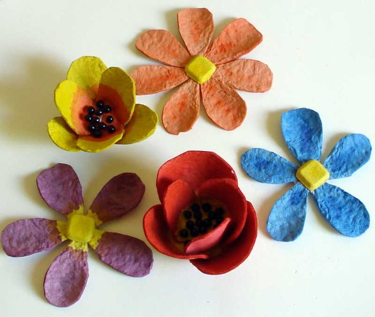 Dicas de Reciclagem: Flores feitas com caixa de ovos